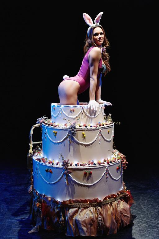 Открытки с девушкой из торта, вышивки мастер класс